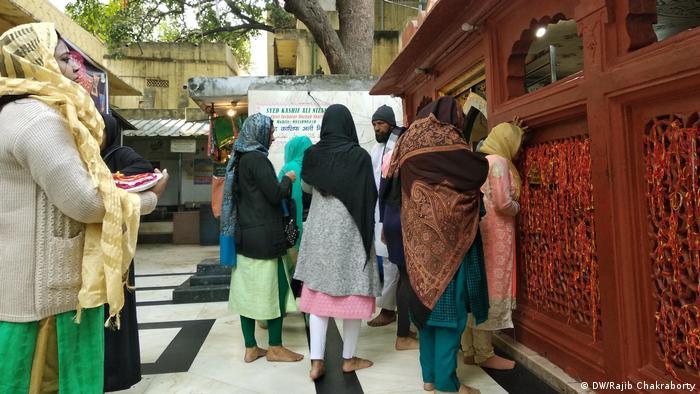 Indien Delhi Nizamuddin Dargah -Mausoleum