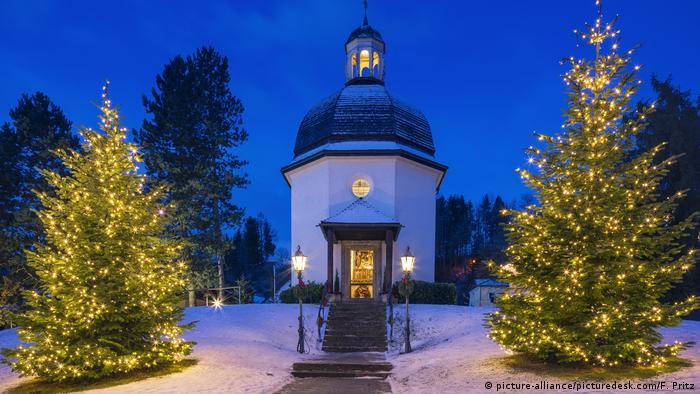 Deutschland Stille Nacht Kapelle in Oberndorf (picture-alliance/picturedesk.com/F. Pritz)