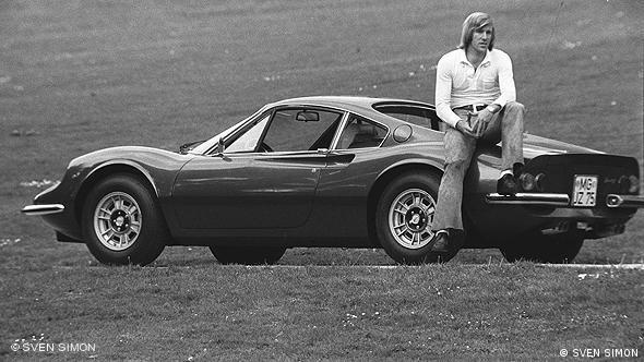 Netzer mit seinem Dino Ferrari (Foto: Sven Simon)