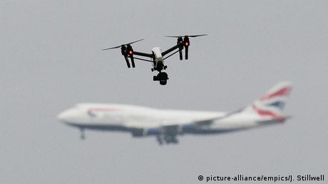 Ποιοι κρύβονται πίσω από τα drone στο Γκάτγουικ;