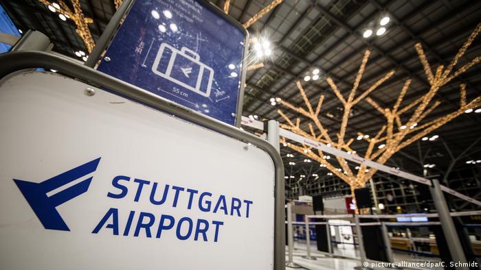 Deutschland Polizeipräsenz am Stuttgarter Flughafen