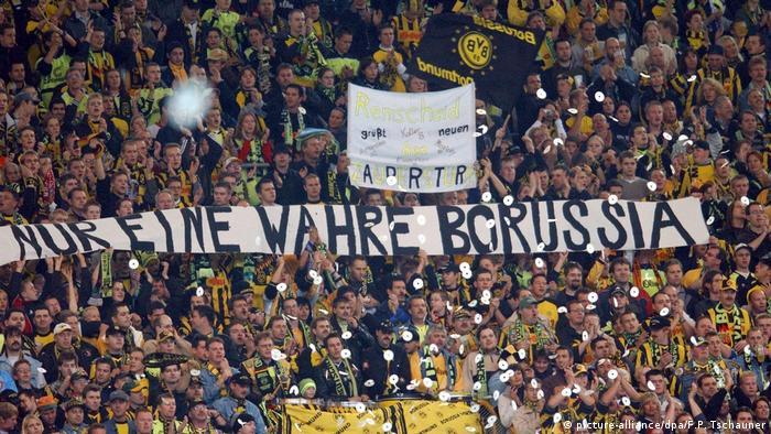 Fußball Borussia Dortmund - SC Freiburg   Dortmunder Fans