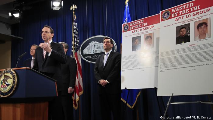 USA Washington - Rod Rosenstein bei PK zu Chinesischen Hackern (picture-alliance/AP/M. B. Ceneta)