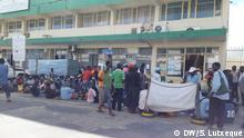 Ehemalige Arbeiter von AVICOLA protestieren in Nampula, Mosambik