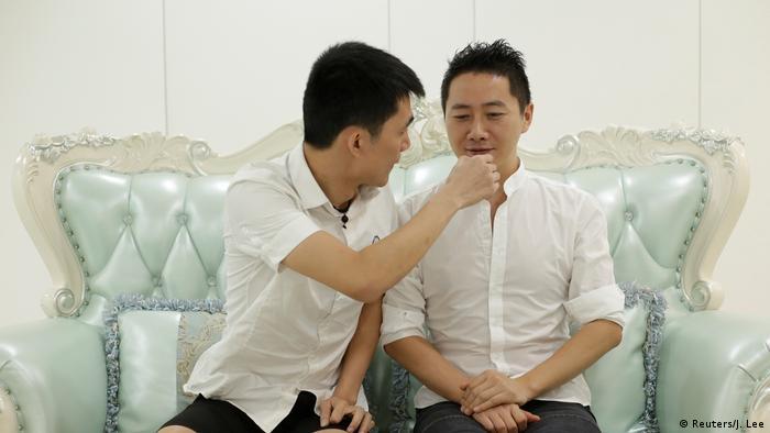 LGBT Familien in China gegen Klischees