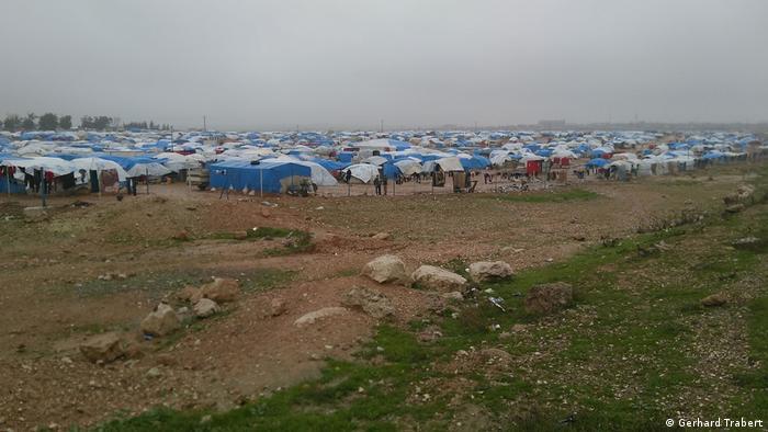Flüchtlingslager 40 Kilometer nördlich von Rakka (Gerhard Trabert)