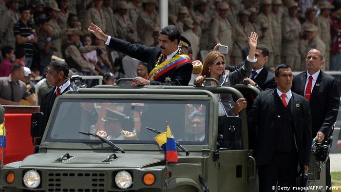 Venezuela Militärparade in Caracas | Nicolas Maduro, Präsident & Ehefrau Cilia Flores