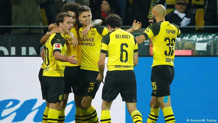 Bundesliga 17. Spieltag   Borussia Dortmund vs. Borussia Mönchengladbach   TOR Dortmund (Reuters/W. Rattay)