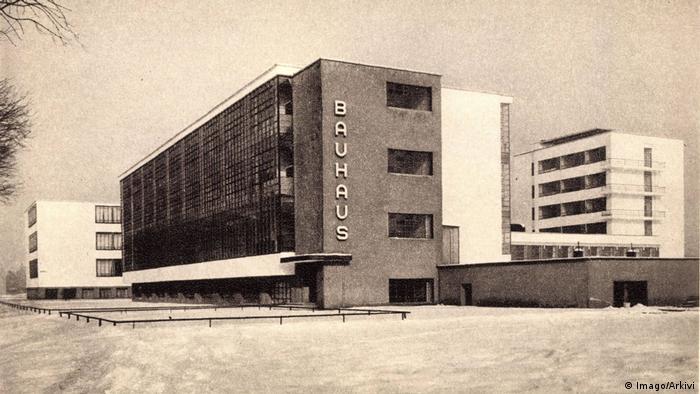 Sachsen, Dessau: Archivbild des Bauhaus von 1935