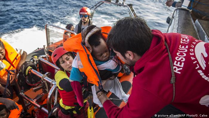 Migrants pulled to safety in Mediterranean