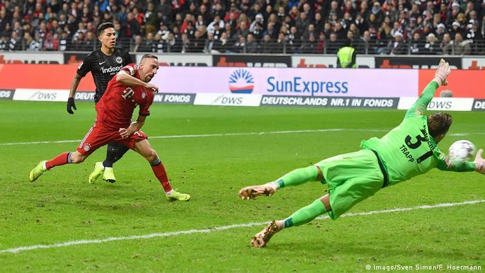 Deutschland Bundesliga - Eintracht Frankfurt v Bayern München   Tor Ribery (imago/Sven Simon/F. Hoermann)