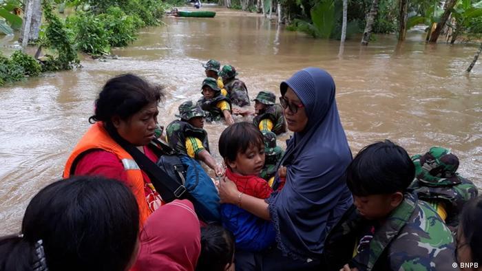 Indonesien Banten - Einwohner werden Evakuiert (BNPB)