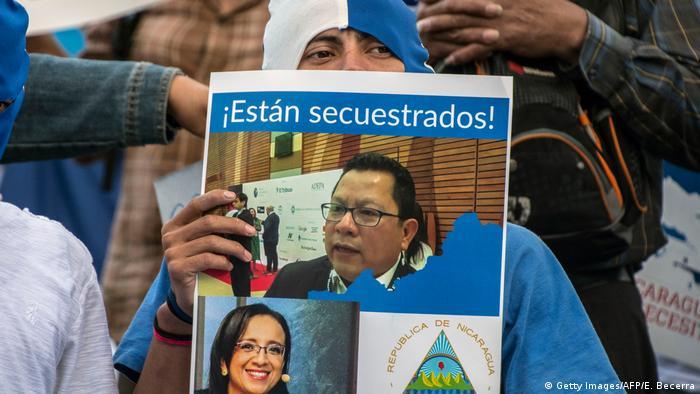 Costa Rica Protest vor der Botschaft Nicaraguas gegen die Inhaftierung der Journalisten Miguel Mora und Lucia Pineda