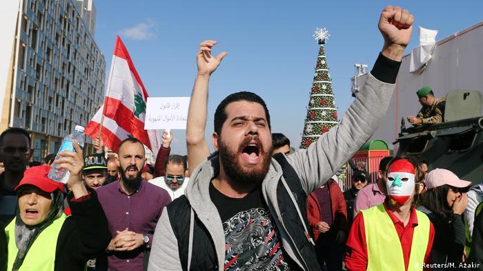 Libanon Hunderte demonstrieren gegen Korruption und schlechte Versorgungslag (Reuters/M. Azakir)