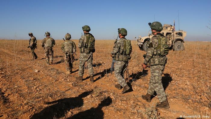 Syrien Region Manbidsch US und türkische Soldaten Patrouille (Reuters/U.S. Army)