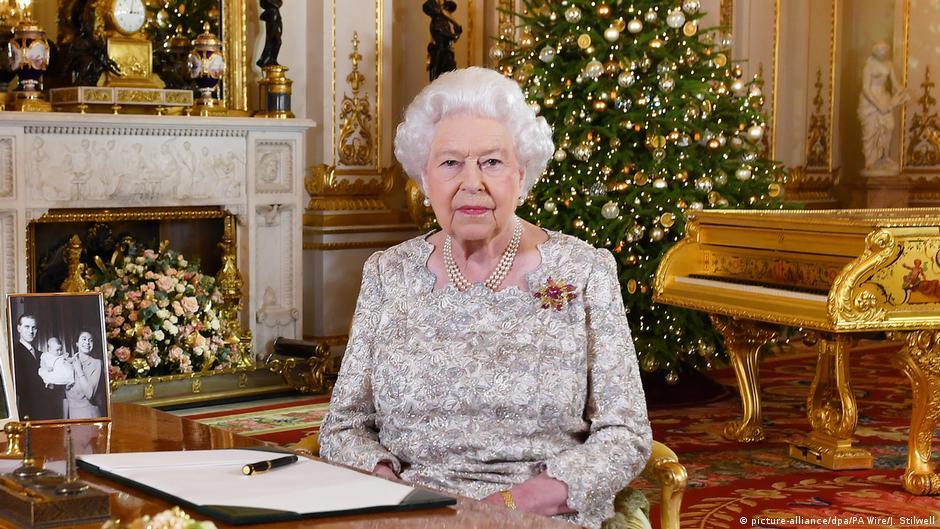 Mbretëresha britanike apelon për disiplinë