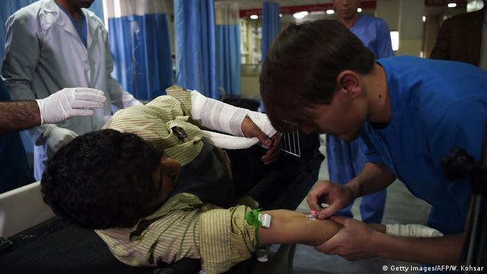 Afghanistan Kabul - Verletzte nach Autobombe und Bewaffneter Angriff