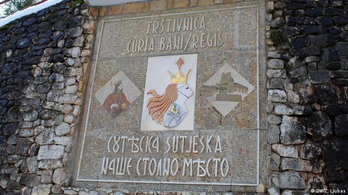 Ploča koja podsjeća na bosansku kraljevsku prošlost (DW/Z. Ljubas)