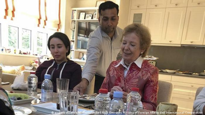 VAE Sheikha Latifa bint Mohammed Al Maktoum mit der ehem. irische Präsidentin Mary Robinson