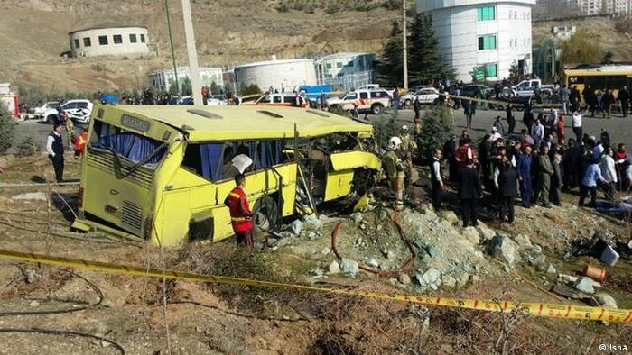واژگونی یک اتوبوس حامل دانشجویان در تهران ۹ کشته و ۲۶ زخمی بر جای گذاشت