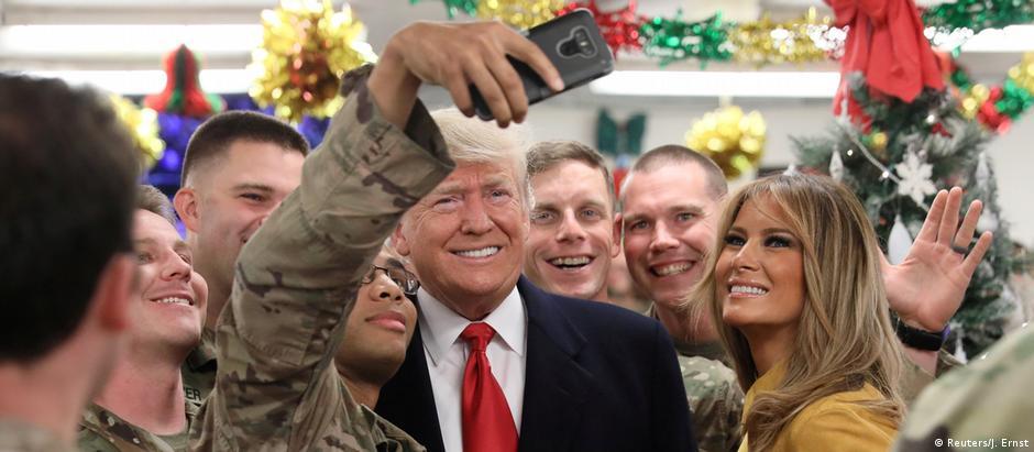 """Segundo a Casa Branca, Trump agradeceu aos soldados pelo """"serviço e sacrifício"""""""