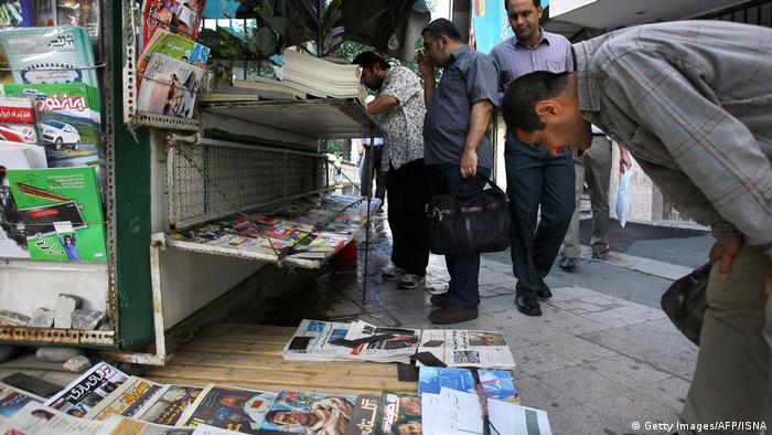 Iran Teheran Zeitungskiosk