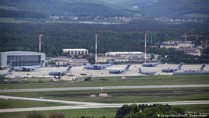 Ramstein Air Base (Imago/StockTrek/T. Ziegenthaler)