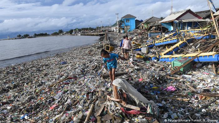 Indonesien - Zerstörung nach Tsunami