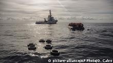 Mittelmeer Flüchtlinge aus Seenot gerettet