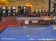 Hotels bauen Spielhallen in ihren Räumen (Foto: DW/Filip Slavkovic)