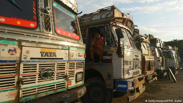 Indien Trucks (Getty Images/AFP/D. Dutta)
