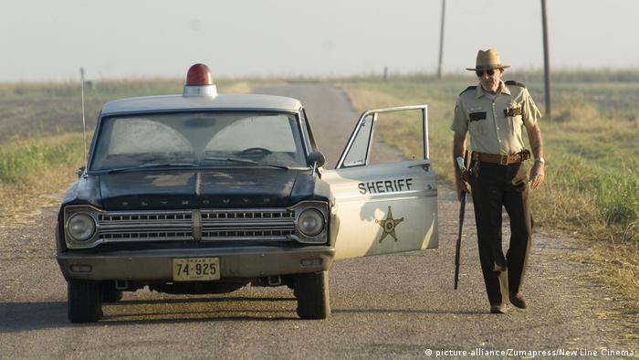 USA Trump l USA nicht länger Weltpolizist - Filmstill mit Lee Ermey (picture-alliance/Zumapress/New Line Cinema)