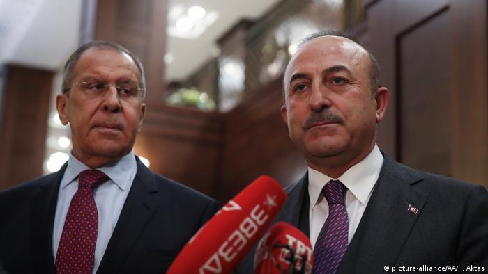 Rusya Dışişleri Bakanı Sergey Lavrov ve Mevlüt Çavuşoğlu (Arşiv fotoğrafı)