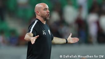 Fussball Asian Cup l Nationalmannschaft Qatar - Trainer Félix Sánchez Bas (Dafrallah Mouadhen for DW)