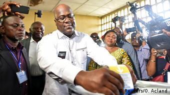 Kongo hält mit zwei Jahren Verspätung historische Wahlen ab (Reuters/O. Acland)