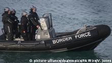 Großbritanien   Zahl der Bootsflüchtlinge auf dem Ärmelkanal steigt