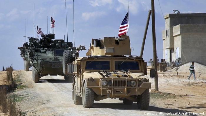 Syrien | Rückzug von US-Truppen aus Syrien angekündigt (picture-alliance/dpa/AP/Arab 24 Network)