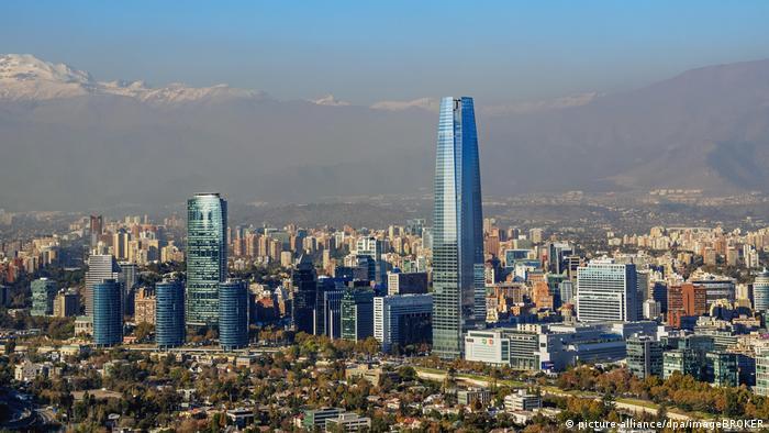 Chile | Skyline Santiago de Chile (picture-alliance/dpa/imageBROKER)