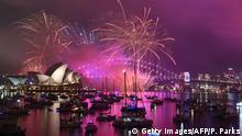 Australien Sydney Familien-Feuerwerk vor Mitternacht