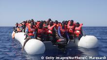 Symbolbild | Flüchtlinge im Mittelmeer