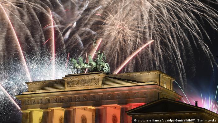New Year's fireworks at the Brandenburg Gate in 2019