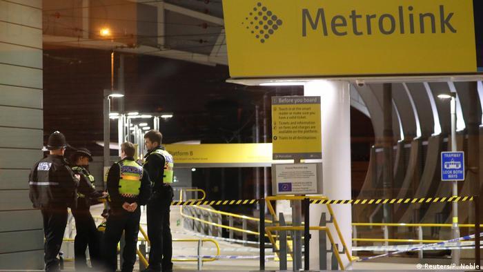 Central ferroviaria de Mánchester, en Gran Bretaña, es vigilada por la Policía tras el ataque con cuchillo. (1.01.2019).
