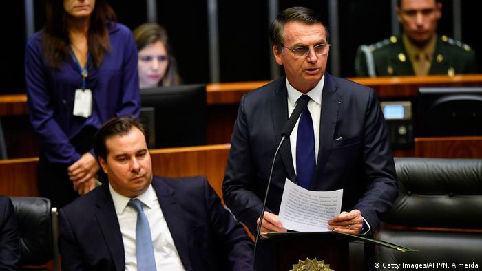 Maia e Bolsonaro: queda de braço entre Executivo e Legislativo ´vem dominando política em Brasília