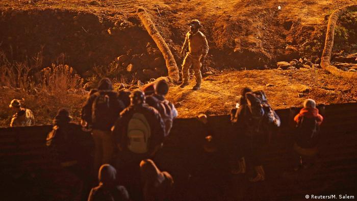 Mexiko Tijuana: Migranten an der Grenze zur USA (Reuters/M. Salem)
