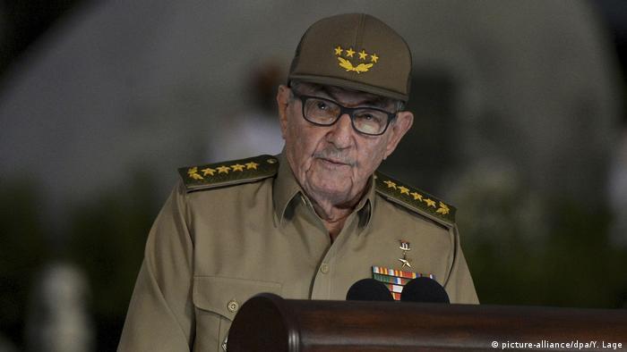Kuba 60. Jahrestag der Revolution Raul Castro (picture-alliance/dpa/Y. Lage)