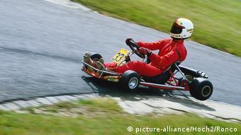 Schumacher pilotando um kart