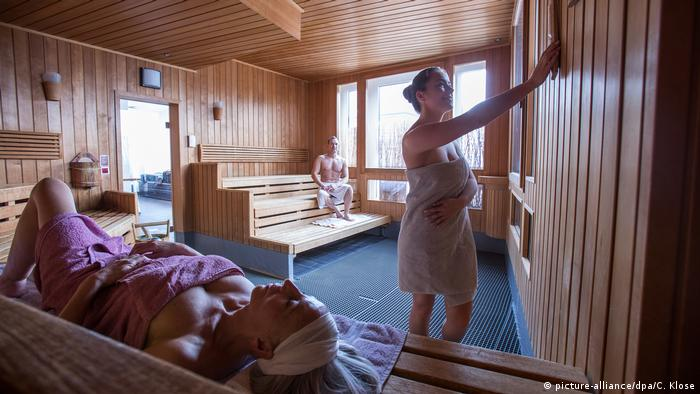 Sauna (picture-alliance/dpa/C. Klose)
