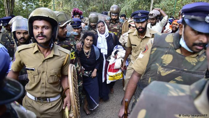 Indien Konflikt um Zugang von Frauen zu Sabarimala-Tempel (Getty Images/AFP)