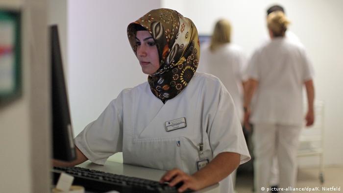 Deutschland hochqualifizierte Migranten (picture-alliance/dpa/K. Nietfeld)