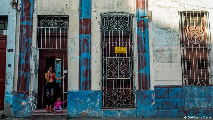 Cubans carve out their own real estate in Havana
